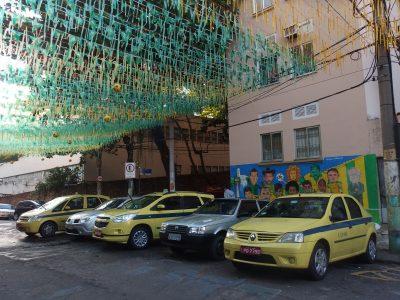 遠めに見えるブラジル代表壁画