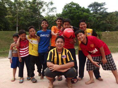 マレーシアのサッカー少年