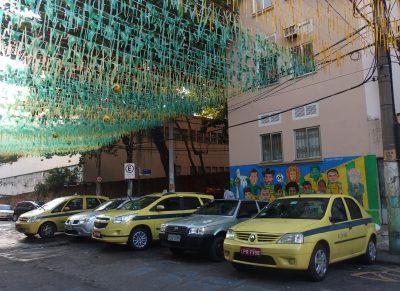タクシーとセレソン集合壁画