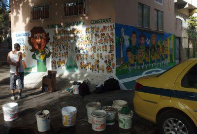 住民とセレソンの角壁画