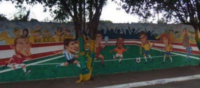 黄金の7人を描いた壁画。